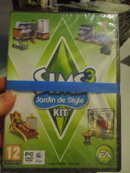 The Sims 3: Outdoor Living Stuff Pack (French) Pal PC DVD / Mac #FM0485