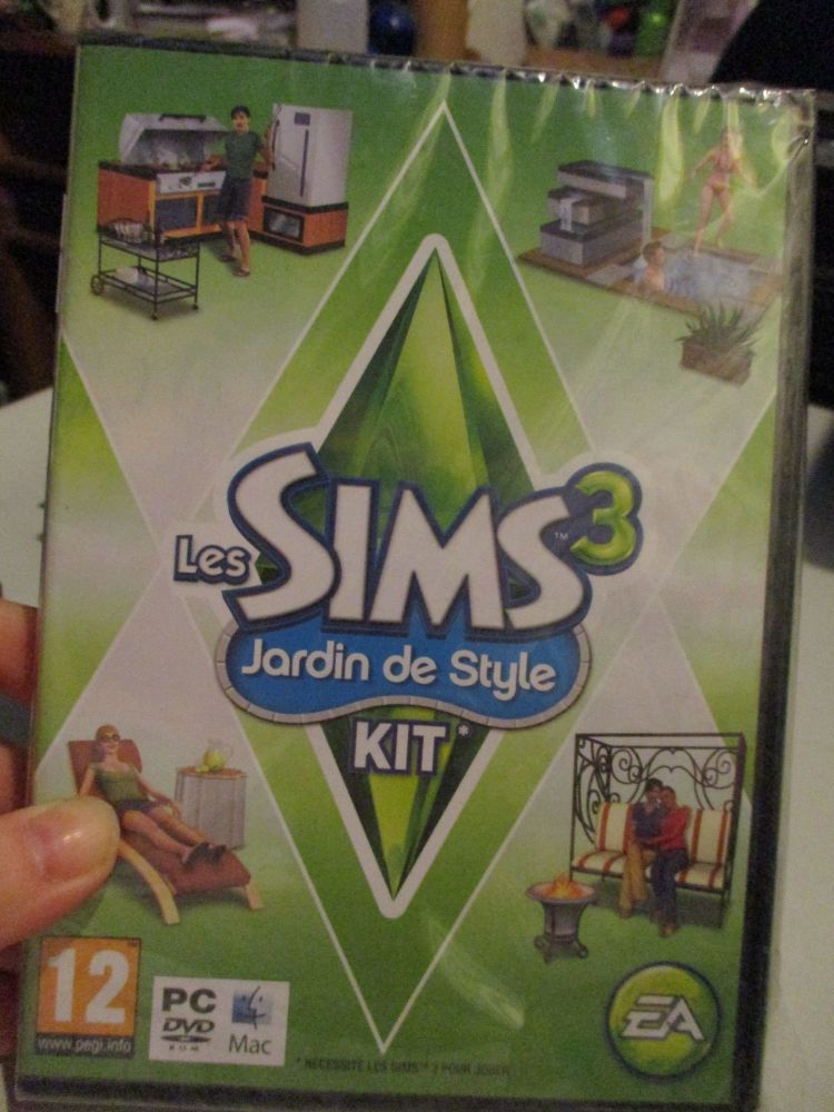 The Sims 3: Outdoor Living Stuff Pack (French) Pal PC DVD / Mac #FM0484