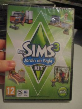 The Sims 3: Outdoor Living Stuff Pack (French) Pal PC DVD / Mac #FM0479