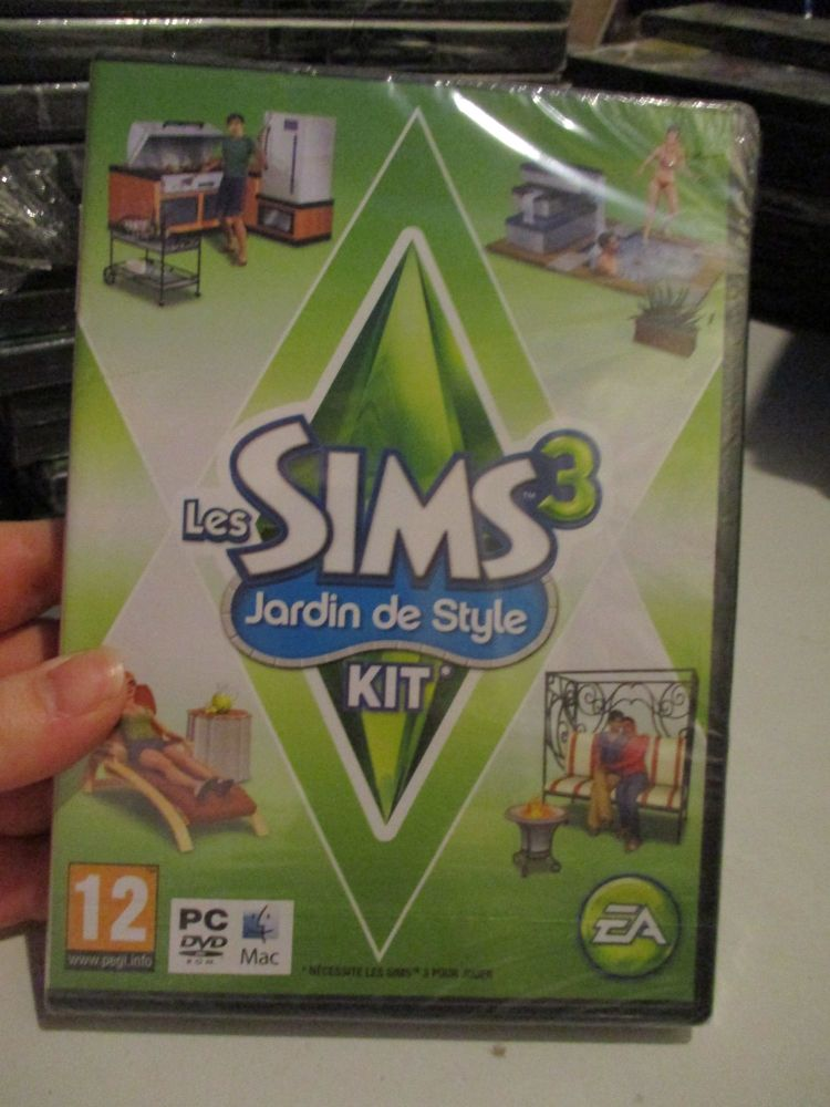 The Sims 3: Outdoor Living Stuff Pack (French) Pal PC DVD / Mac #FM0473
