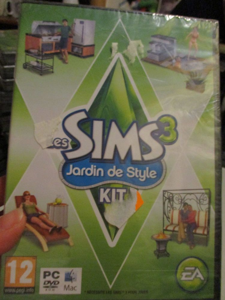 The Sims 3: Outdoor Living Stuff Pack (French) Pal PC DVD / Mac #FM0474