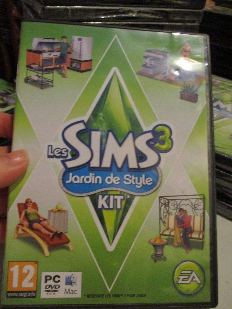 The Sims 3: Outdoor Living Stuff Pack (French) Pal PC DVD / Mac #FM0470