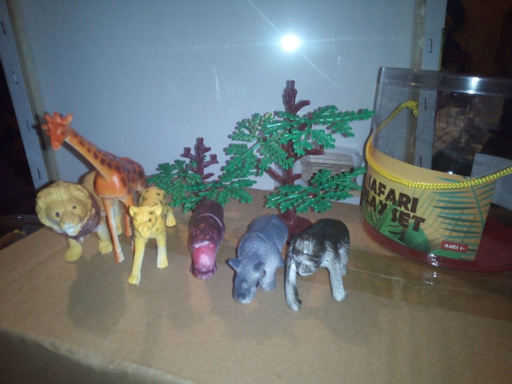 Cheetah Set - Safari Animal Figures - Play Set - King