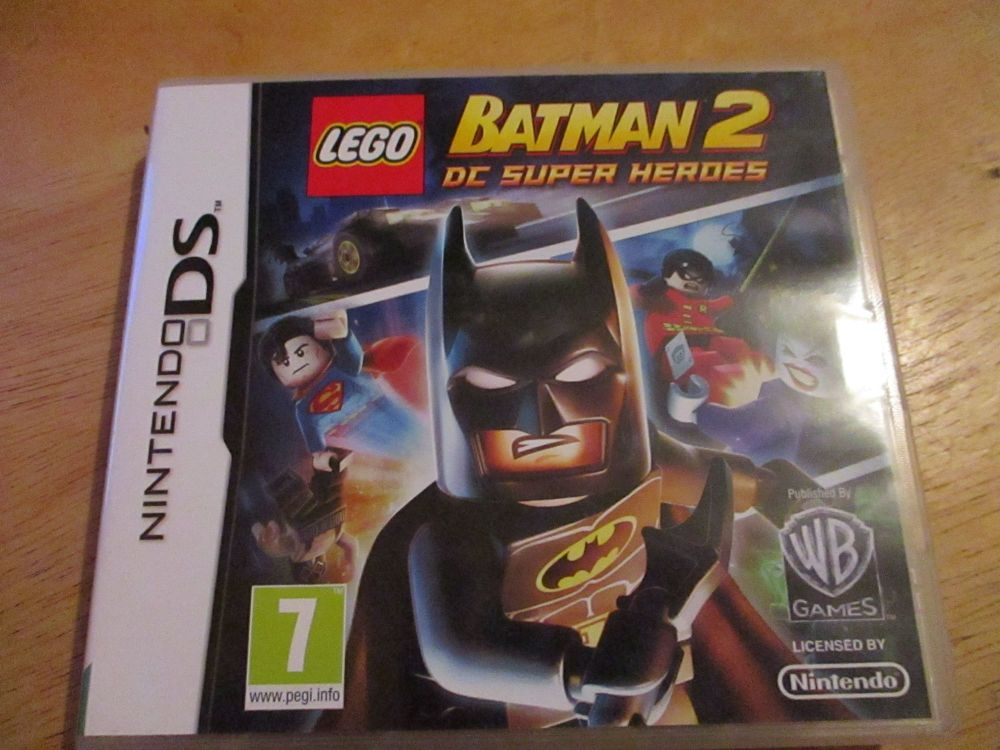 DS Lego Batman 2 DC super heroes. Case and cart as new