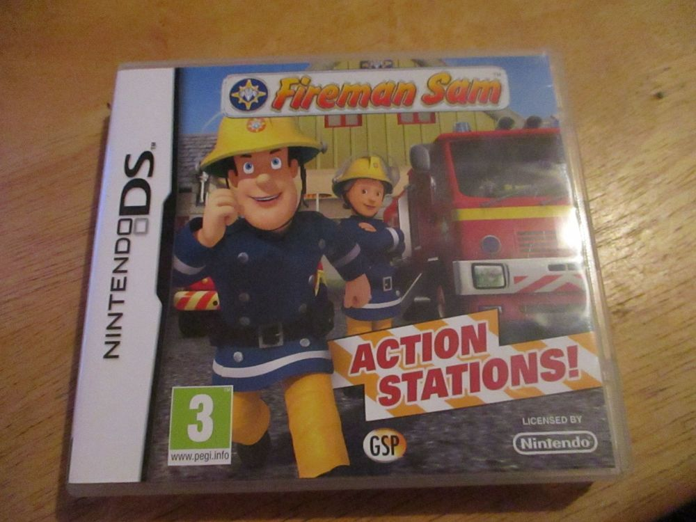 DS fireman Sam action stations. Case dent to surface of rearside. Cart as new