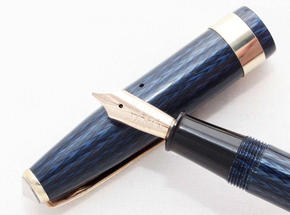 8105 Conway Stewart No.60L in Blue Herringbone. Smooth Fine Nib. Boxed.