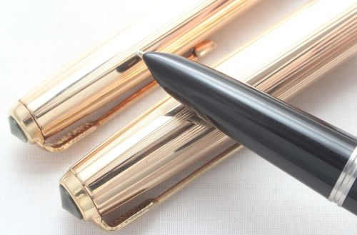 7974. Parker 51 Aerometric Fountain Pen and Pencil Set in Black with Gold F