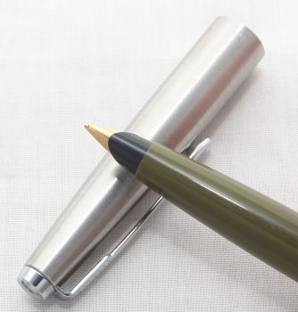 8160 Parker 45 CT in Olive Green. Smooth Medium FIVE STAR Nib. Was £49, now £27