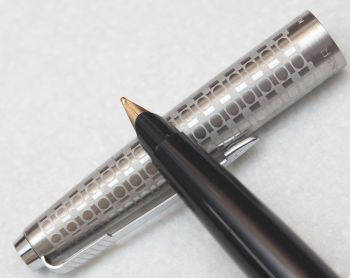 8122 Rare Parker 45 Harlequin with Grey Circlets, NEW OLD STOCK, Superb Medium Gold Plated Nib.