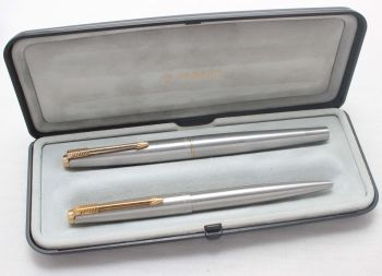 7946 Parker 45 Flighter De Luxe Fountain Pen and Ball Pen Set, Boxed, Extra Fine FIVE STAR Nib.