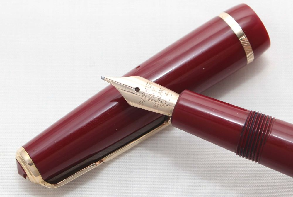 No.7327. Parker Duofold Junior Aerometric Fountain Pen in Burgundy. c1968.