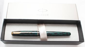 7725 Parker Sonnet Rollerball in Green Marble, Boxed.