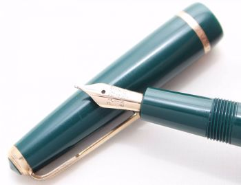 7250 Parker Duofold Slimfold in Green, Smooth Fine Nib.