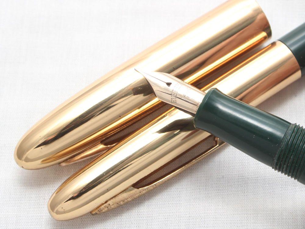 7632 Eversharp Symphony Mk III Fountain Pen and Pencil Set in Green. Fine F
