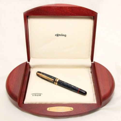 8348 Rotring 1928 Fountain Pen, Medium 18ct Gold Nib. Mint and Boxed.