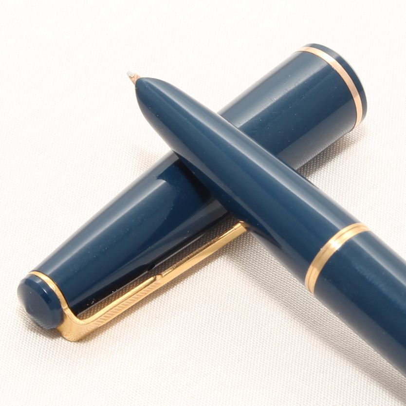 8359 Parker 17 Lady Duofold Fountain Pen in Blue, c1965, Broad Side of Medi