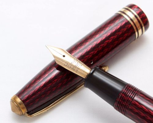 8402 Conway Stewart No.77 in Red Herringbone. Smooth Fine FIVE STAR Nib.