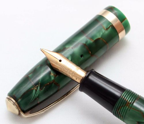 8408 Conway Stewart No.84 in Gold Veined Green Marble. Medium Italic FIVE S