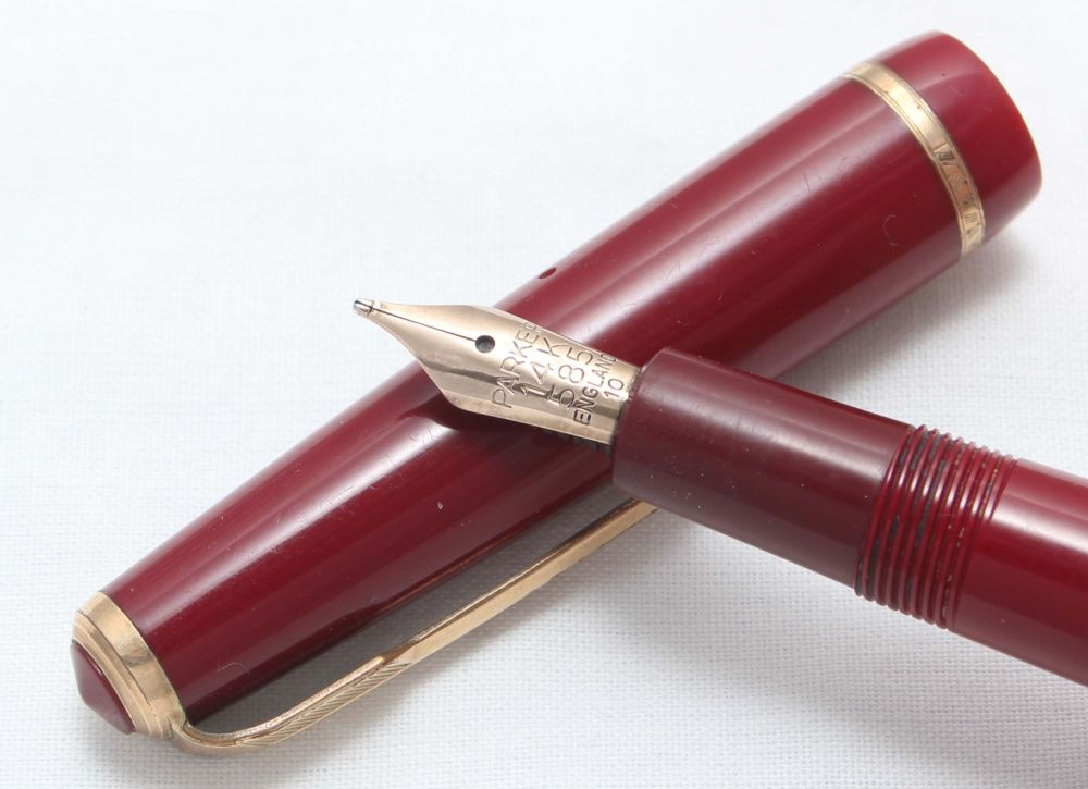 8412 Parker Duofold Junior Aerometric Fountain Pen in Burgundy. c1968. Medi