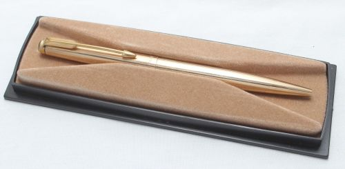 8420 Parker Falcon Ball Pen, Finished in Rolled Gold. Mint and Boxed.