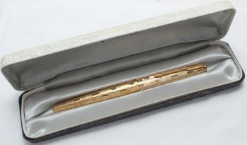 "8421 Parker 65 Cumulus, Rolled Gold Cap and Barrel, Special ""Cloud Series"" Edition from 1976, Fine FIVE STAR Nib."