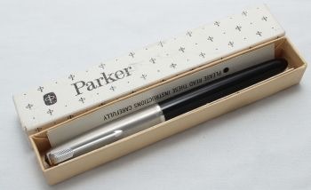 8424 Parker 51 Aerometric in Black with a lustraloy cap. Smooth Medium FIVE STAR Nib. Mint and Boxed.