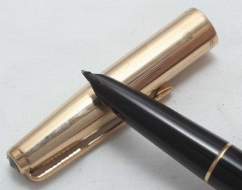 8425. Parker 51 Aerometric MkIII in Classic Black with a Rolled Gold Cap, Smooth Broad side of Medium Nib.