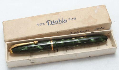 8429 Conway Stewart Dinkie No.550 in Green Marble - Smooth Fine Nib. Mint a