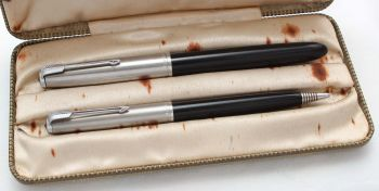 8442 Parker 51 Double Set in Classic Black with Lustraloy caps. Boxed. Medium FIVE STAR Nib.