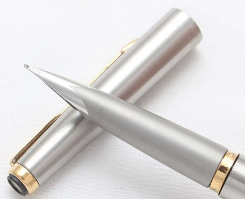 8458 Parker Falcon Fountain Pen, Finished in brushed Stainless Steel, Smoot