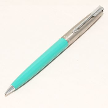 8469 Parker 61 Mk1 Pencil in Surf Green.