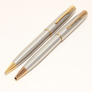 8475 Parker Sonnet Ball Pen and Pencil Set in Brushed Chrome.