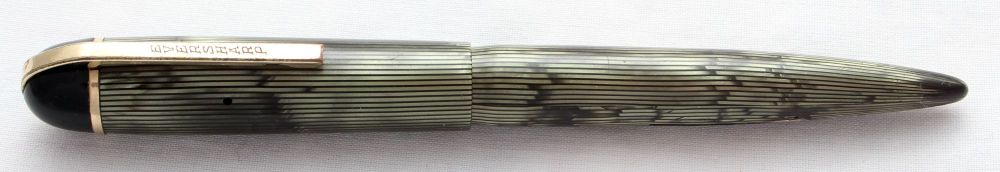 8479 Eversharp Skyline Fountain Pen in green and black striped marble. Extr