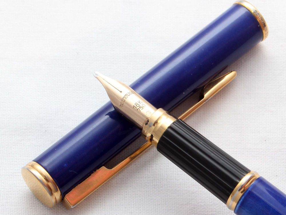 8481 Watermans Executive Fountain Pen in Blue Lacquer. Smooth Broad 18ct FI