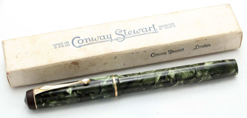 8494 Conway Stewart No.286 in Green Marble - Smooth Medium Flexible FIVE ST