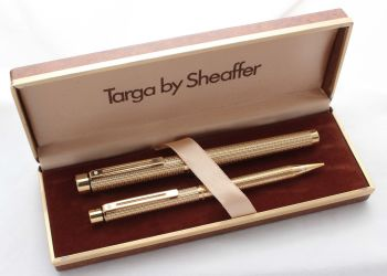 8524 Sheaffer Targa 1011 Gold Filled Fountain Pen and Pencil. Extra Fine nib, mint and boxed.