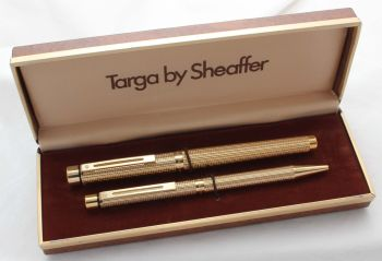 8525 Sheaffer Targa 1011 Gold Filled Fountain Pen and Ball Pen. Fine nib, mint and boxed.