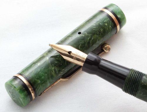 8533 - Swan (Mabie Todd) 242/50 Fountain Pen in Jade Green. Broad Italic Fl