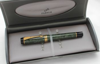 8538 Parker Duofold Centennial Fountain Pen in Jade Green, Medium FIVE STAR Nib. Mint and Boxed.