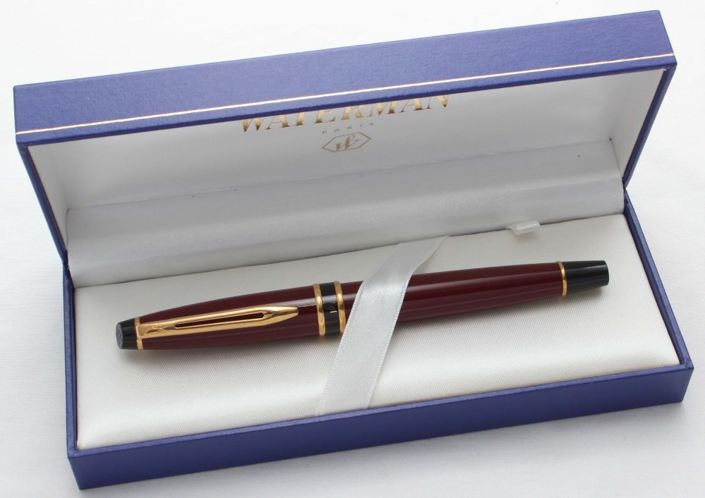 8562 Watermans Expert I Fountain Pen in Burgundy. Smooth Fine nib.
