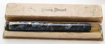 8572 Conway Stewart No.475 in Blue Marble - Fabulous Broad Flexible FIVE STAR Nib. Boxed.
