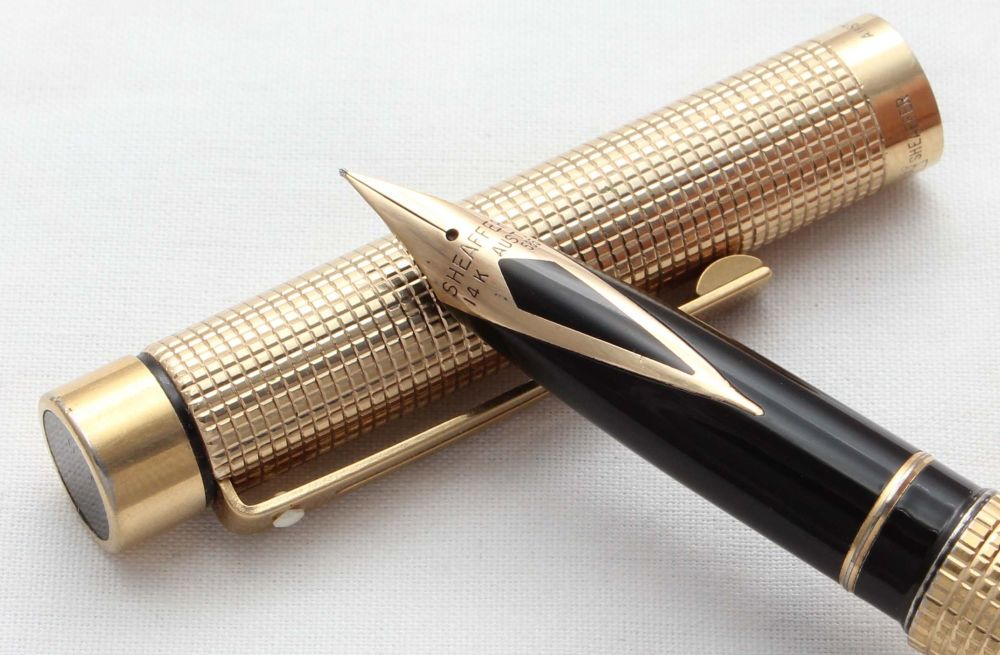 8574 Sheaffer Targa 1011 Gold Filled Fountain Pen. Fine FIVE STAR nib.