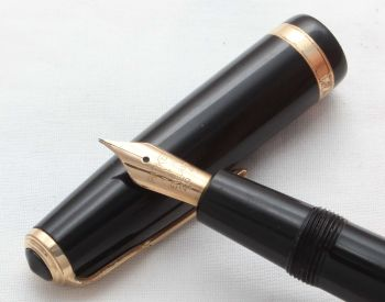 8576 Parker Duofold Aerometric in Classic Black, c1960, Smooth Broad side of Medium Nib.