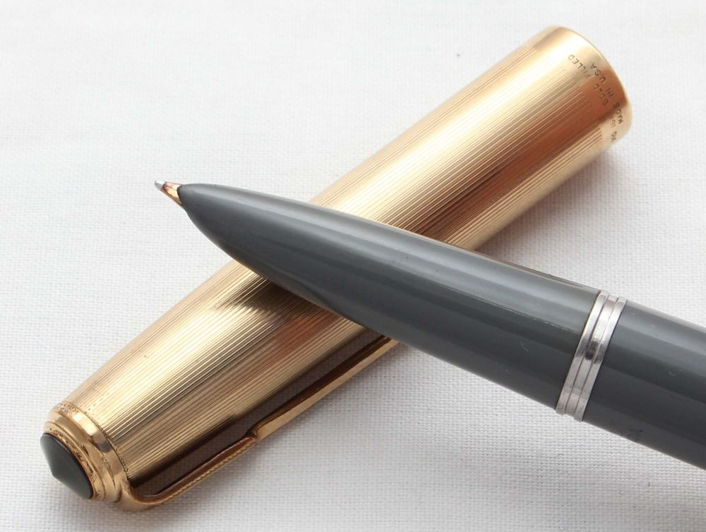 8577 Parker 51 Vacumatic in Grey with a Rolled Gold Cap. Smooth Fine FIVE S