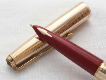 8582 Parker 61 Custom Insignia Fountain Pen in Rolled Gold. Medium FIVE STAR Nib.