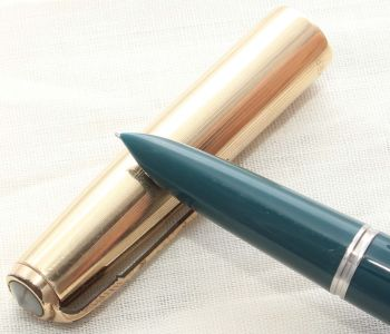 8634. Parker 51 Aerometric in Teal Blue with a Rolled Gold Cap, Smooth Fine FIVE STAR Nib.