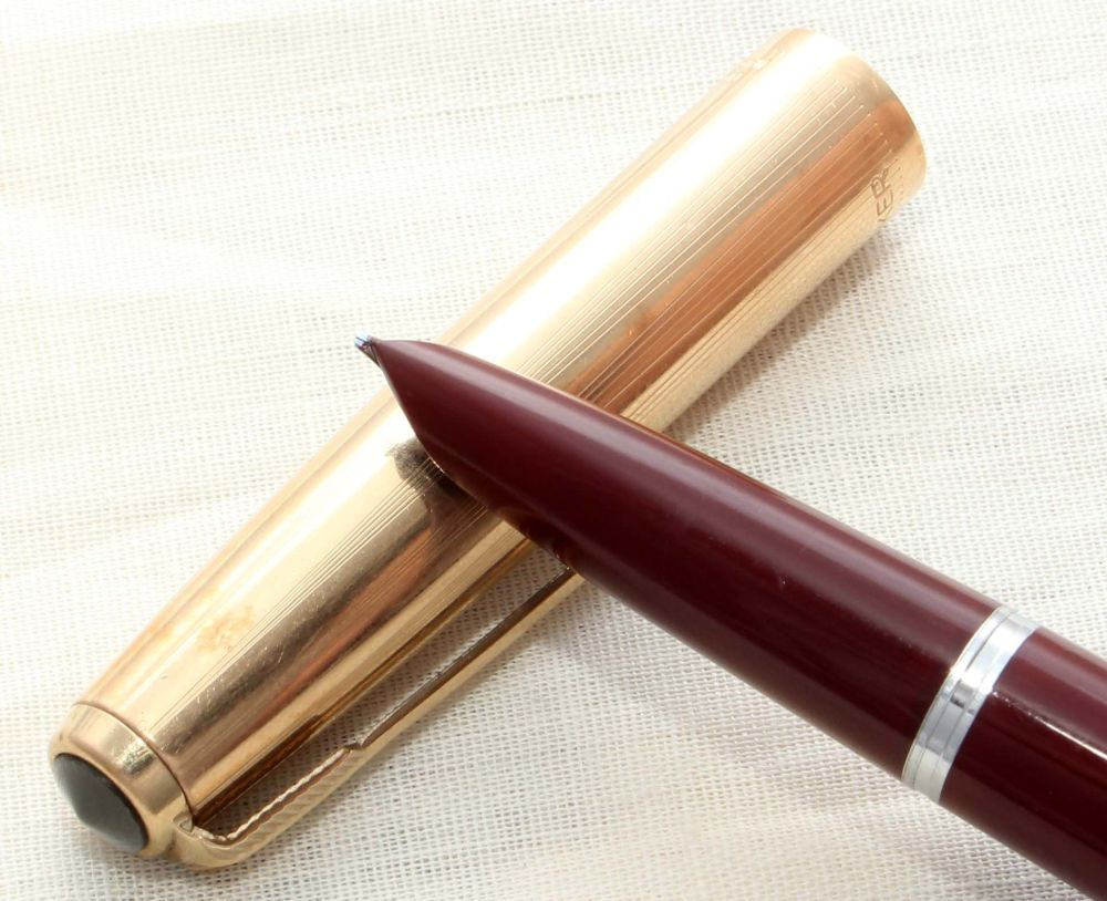 8649. Parker 51 Aerometric in Burgundy with a Rolled Gold Cap, Smooth Mediu