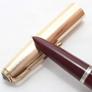 8653. Parker 51 Aerometric in Burgundy with a Rolled Gold Cap, Smooth Fine FIVE STAR Nib.
