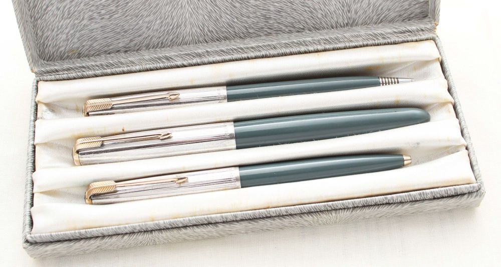 8753 Parker 51 Triple Set in Grey with Rolled Silver caps. Boxed. Medium FI