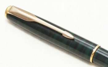8777 Parker Sonnet Ball Pen in Green and Black Lacquer.